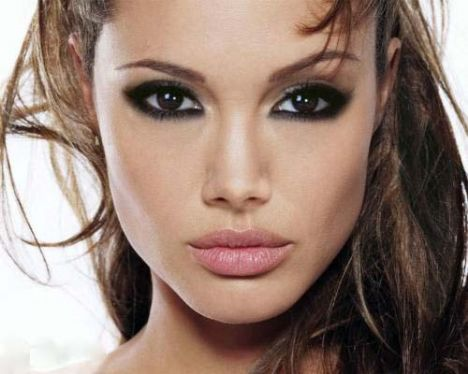 Shakira, Angelina Jolie, Rachel Bilson.